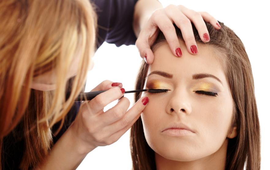 Kursus makeup artist (MuA) di <span>Malili – Luwu Timur</span>