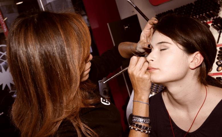 Kursus makeup artist (MuA) di <span>Bara Baraya Timur Kec. Makassar – Kota Makassar</span>